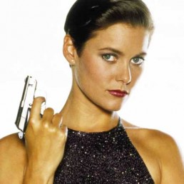 carey-lowell-pam-bouvier-license-to-kill