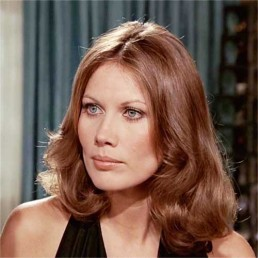 maud-adams-the-man-with-the-golden-gun
