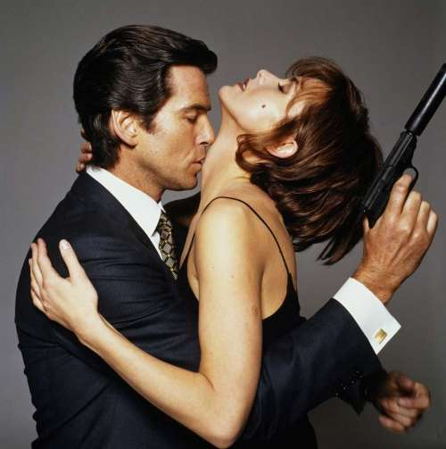 Bond and Natalia in GoldenEye